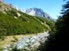 El valle en mitad del camino