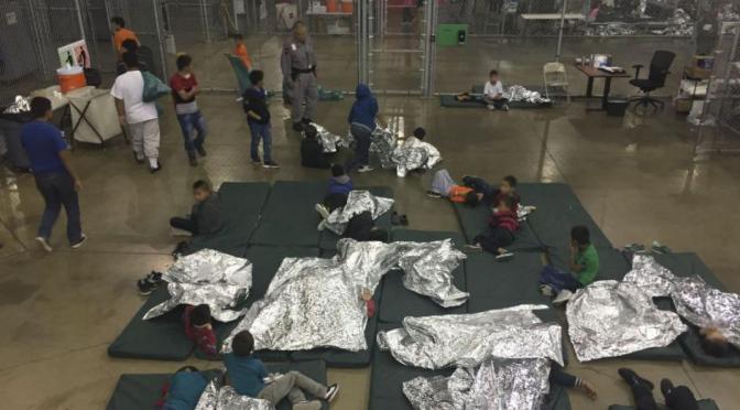 Niños encerrados